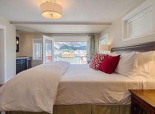 beachside-villa-luxury-inn-5.jpg