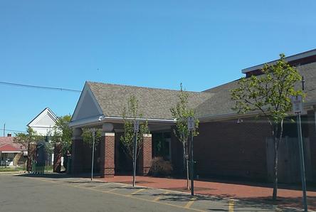Hilltop-Library_April2016.png