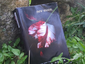 Reading New Moon For The First Time | A Chronicle of Thoughts