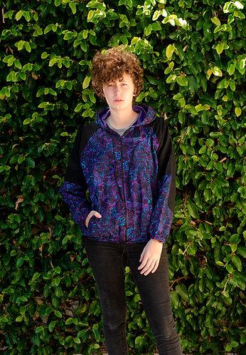 Jaqueta manchas azul/rox detalhe preto