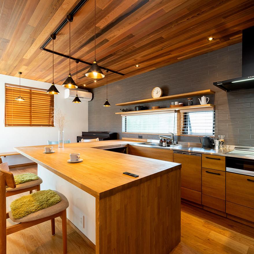 HOUSE-TSU 家族が集まるキッチン