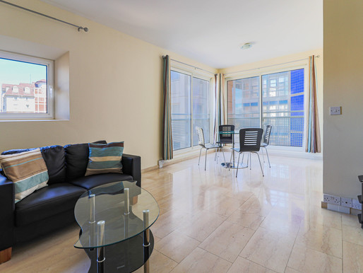 One Bedroom For Sale In Eurotowers! (£260,000)