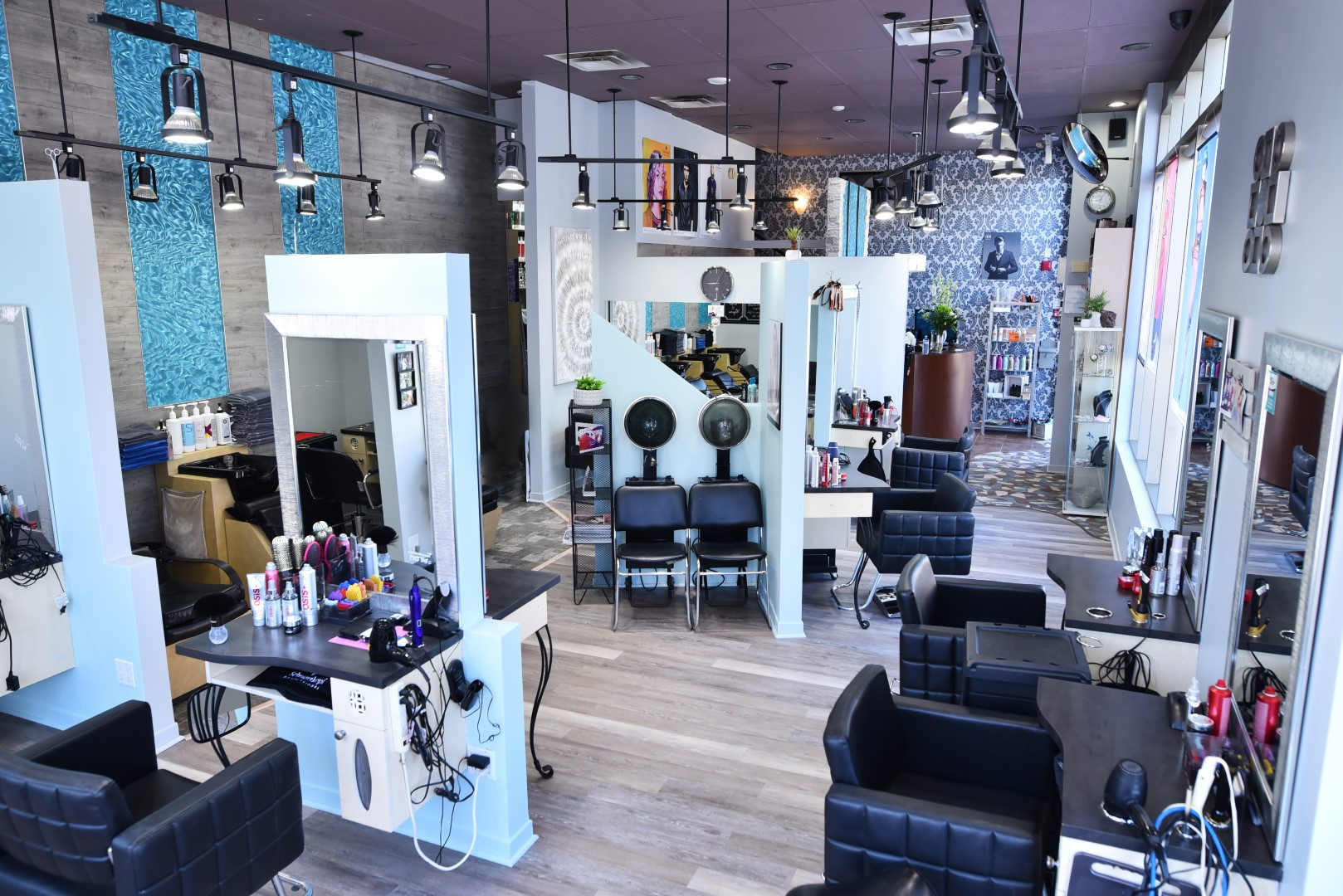 Salon (22) (Grand).JPG