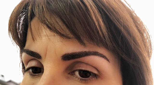 Eyebrow permanent make-up