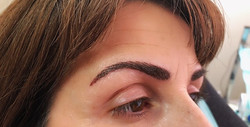 Eyebrow permanent make-up