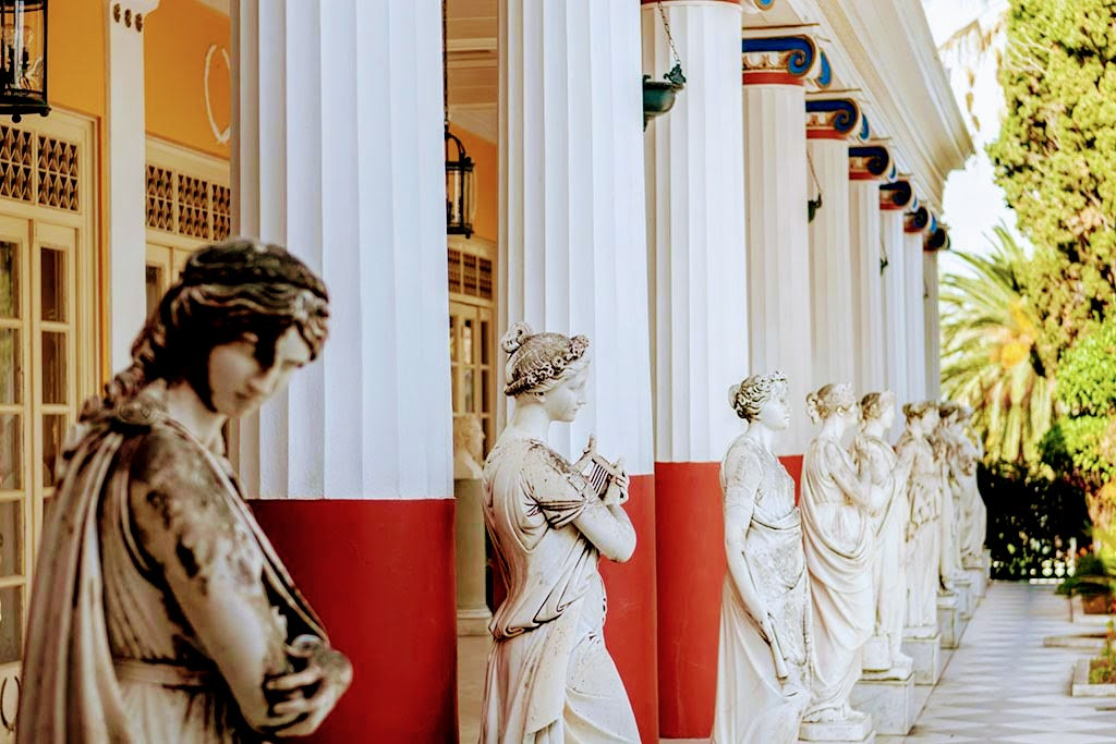 achilleion-palace-muses-xl.jpg