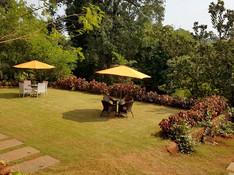 Landscaped-Gardens-b.jpg