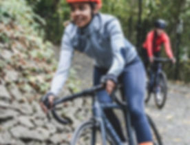 dame på cykel.jpg