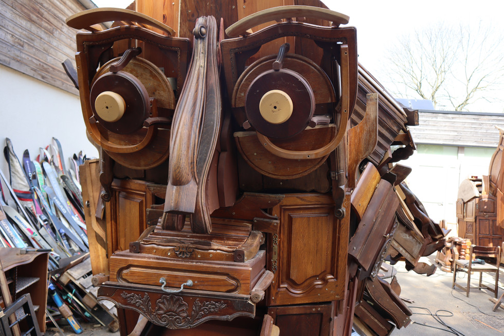 Cabeza de Totem colectivo  Detonador para la exposicion de arte internacional Lille3000