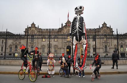Muerte en el Palacio. Junto a Proyecto Barrio