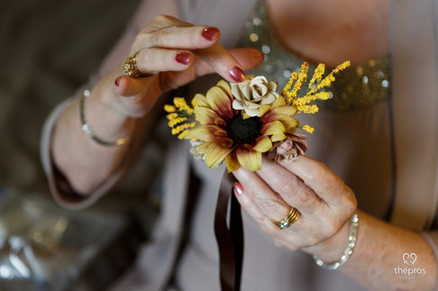 DIY wedding - mother of the groom ribbon corsage