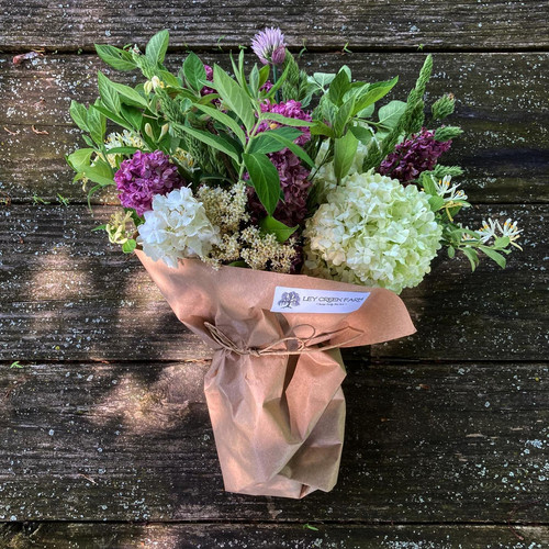 Hand-tied market bouquet