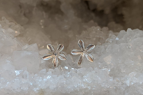 FLOWER STUDS IN STERLING SILVER