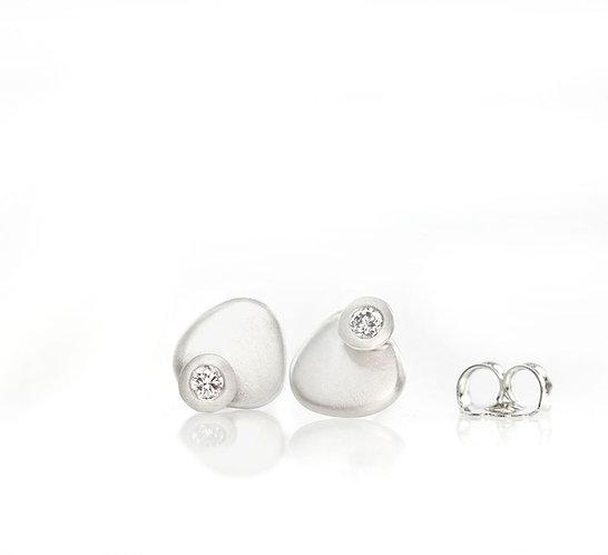 platinum tiny pebble diamond studs