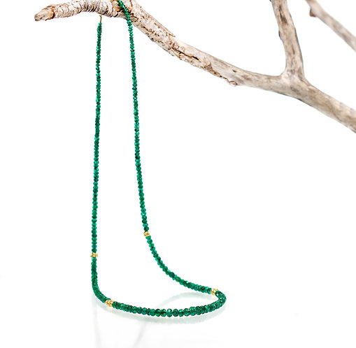 emerald bead beach pebble necklace