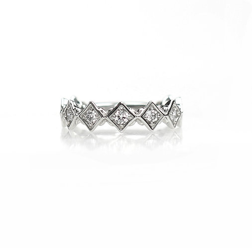 radiance diamond band in 14kt white