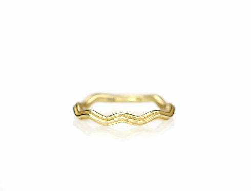 ripple wavy band in 18kt yellow