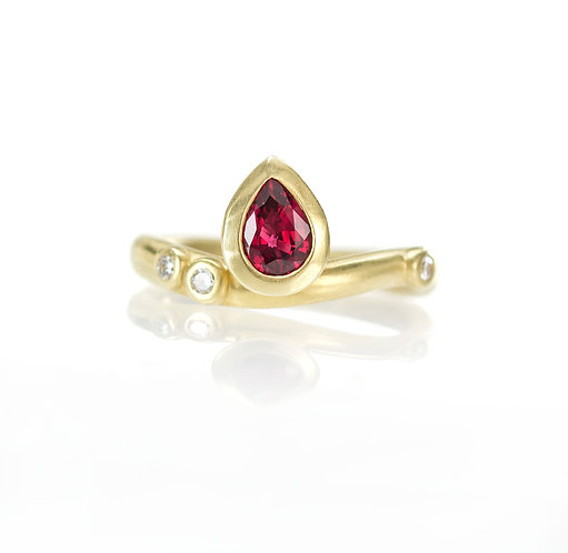 18kt random sparkles ruby and diamond ring