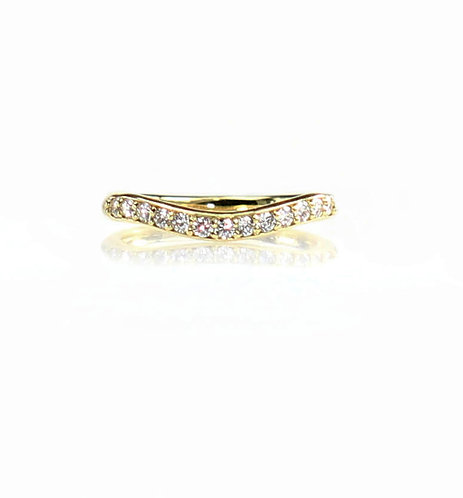curved diamond band in 18kt yellow