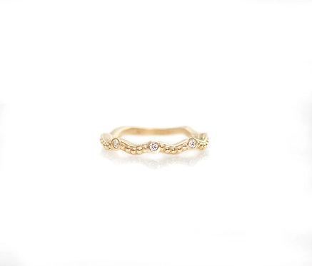14kt yellow beaded wavy band with five diamonds