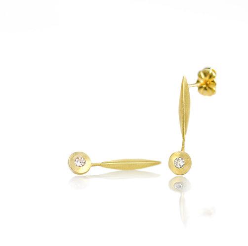 18kt single blade diamond pebble earrings