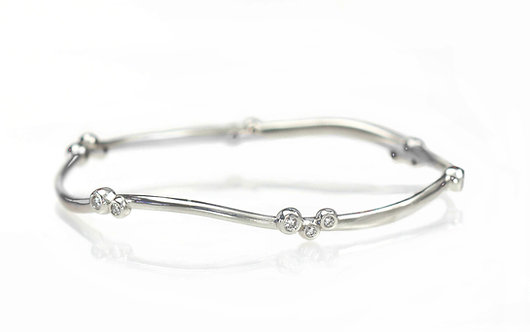 14kt white gold random sparkles single bangle bracelet
