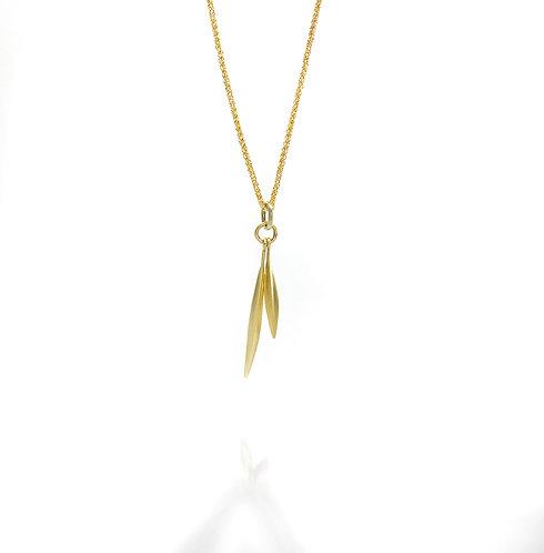 18kt double beach grass blade pendant