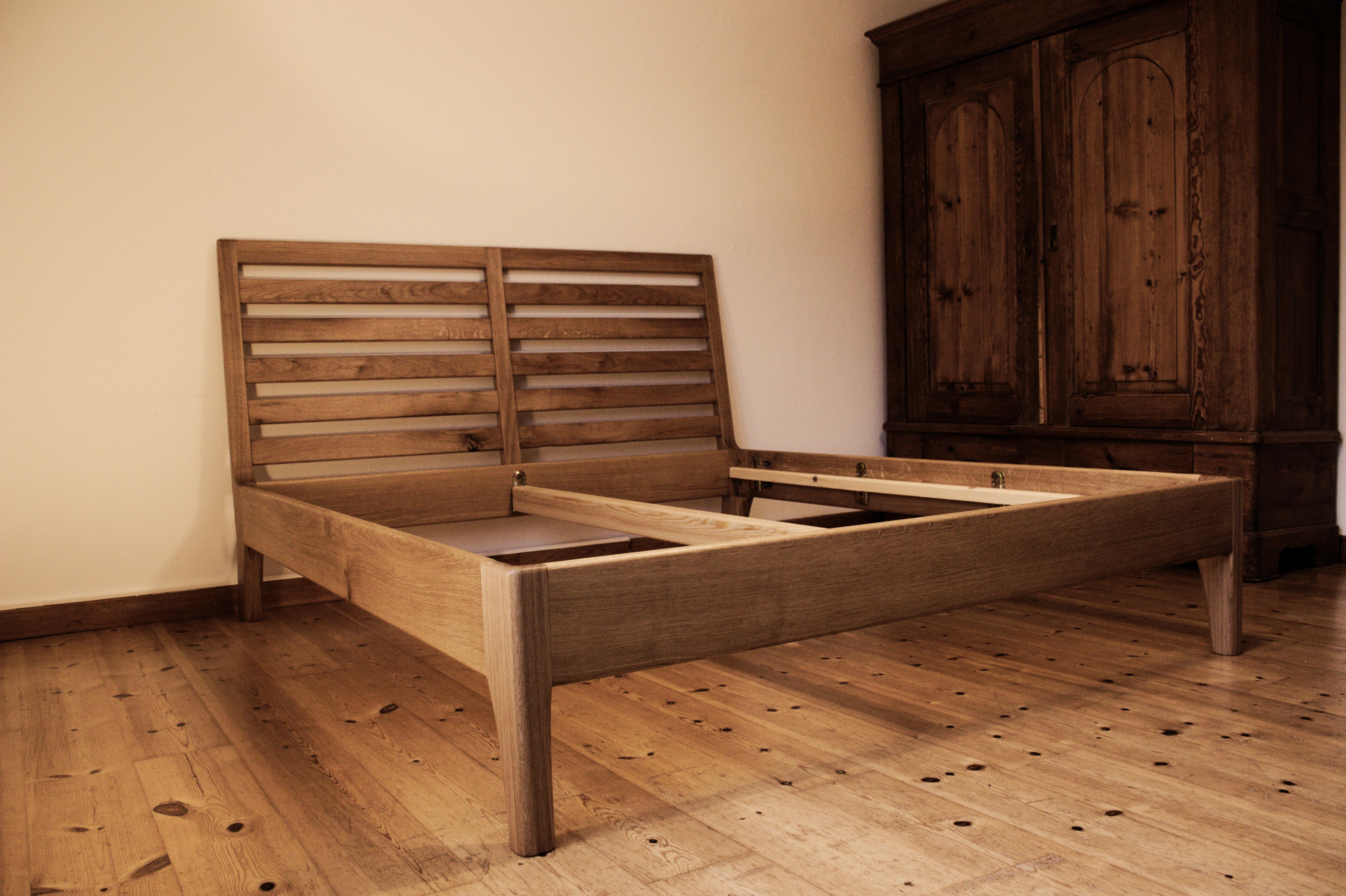 Bett aus Eiche (200cm x 180cm)