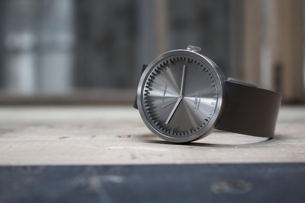 Дизайнерские часы Tube голландской дизайн-студии Leff Amsterdam