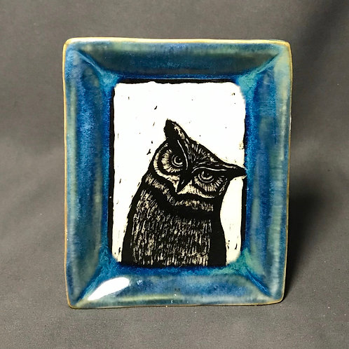 Small plate: Quizzical owl