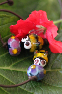 Bumble bead duo