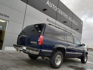 Chevrolet suburban.jpg