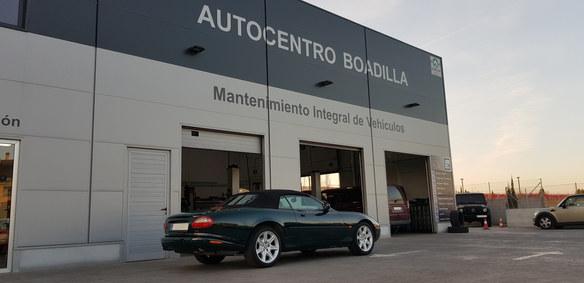 jaguarxk8cabrio1.jpg
