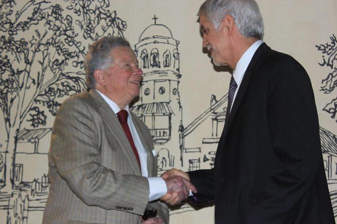 Con un homenaje al maestro Germán Samper, Peñalosa reinauguró el Museo de Bogotá