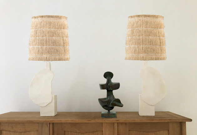 Pair of plaster lamps / N°1, N°2. 50 X 25 X 12 cm.