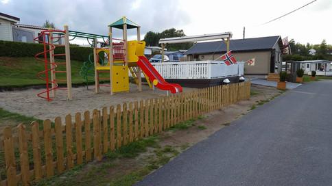 Kiosk og lekeplass