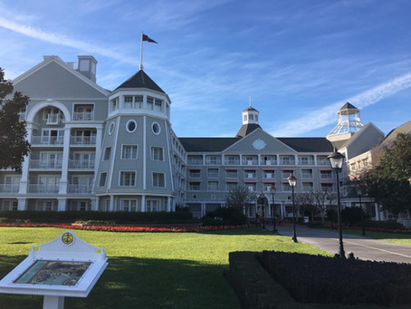 Everything You Need to Know About Deluxe Resorts at Walt Disney World!