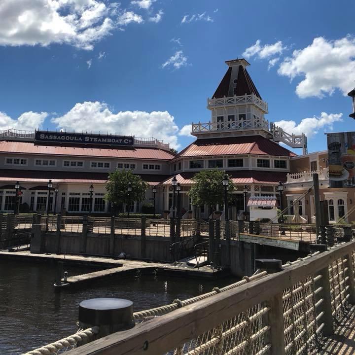 Disney's moderate resort Port Orleans riverside