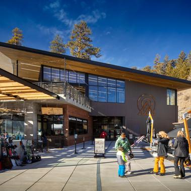 Lee Canyon Hillside Lodge