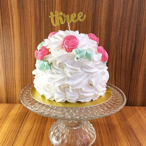 「three」ゴールドの紙製ケーキトッパー