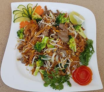 Smažené thajské nudle s hovězím masem