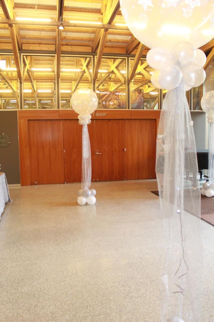 lobby decor.jpg