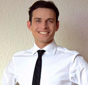 Vadim Proshichev, médico, terapéuta coproral, docente de danza