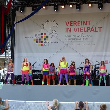 Powertänzer begeisterten am Tag der Deutschen Einheit in Hannover