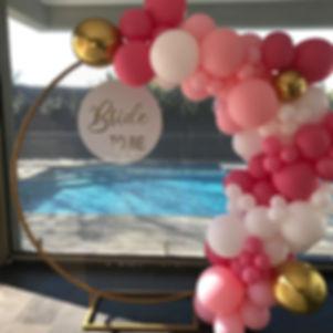 round mesh balloon garland.jpg