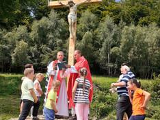Nový kríž nasamote pre všetkých, ktorí sa tu zastavia