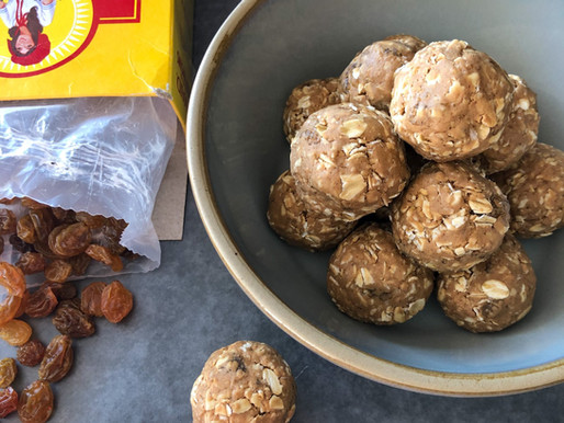 OATMEAL RAISIN COOKIE PROTEIN BALLS