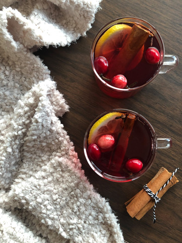 spiced cranberry toddy.jpg