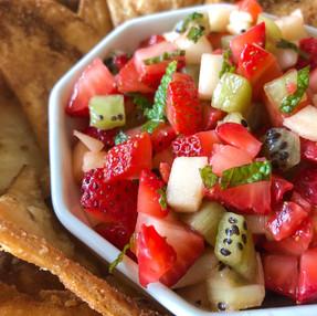 FRUIT SALSA FRESCA + CINNAMON SUGAR PITA CHIPS