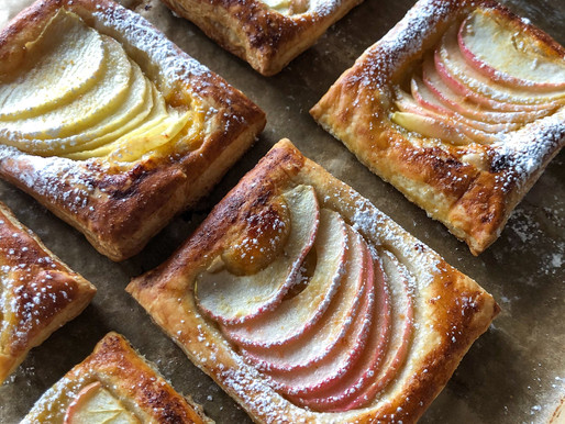 SIMPLE APPLE PUFFS WITH GINGER-SUGAR